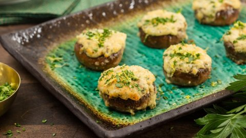 Keto Creamy Crab-Stuffed Mushrooms Recipe